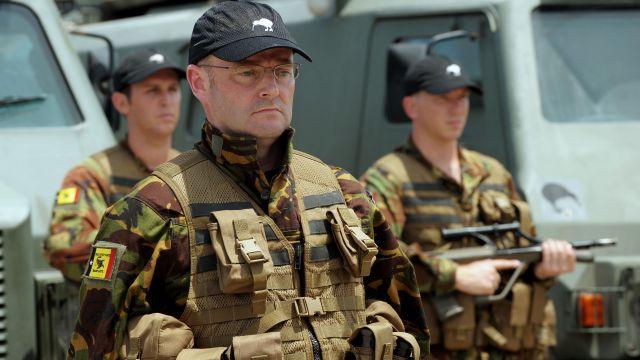 Новозеландским солдатам разрешили краситься и носить накладные ресницы
