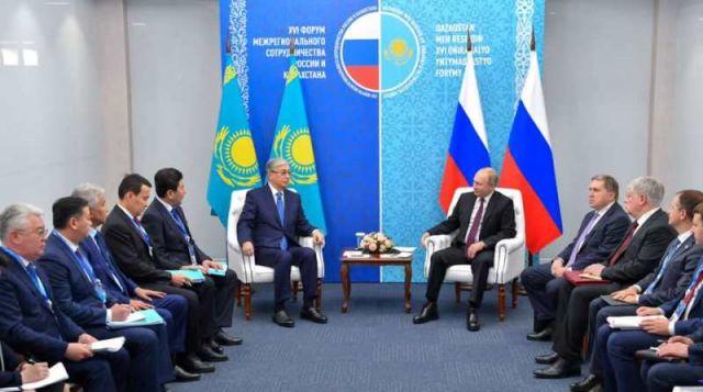 Касым-Жомарт Токаев встретился с Владимиром Путиным в Омске