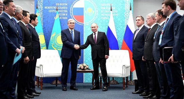 Какие проблемы обсудили Путин и Токаев на форуме в Омске - все самое важное