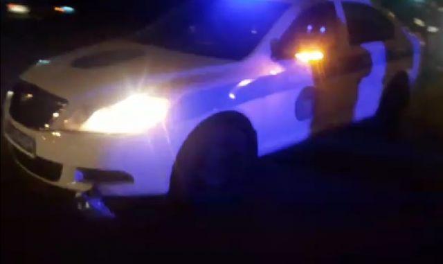 Полицейские на патрульной машине сбили девочку-подростка в Уральске. Полиция на месте ДТП запрещает съемку