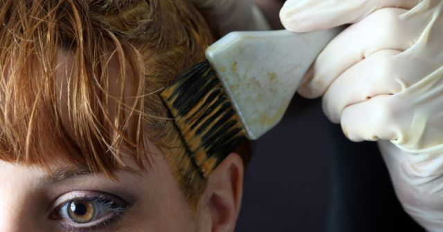 Стать блондинкой и не облысеть. Чем опасны краски для волос