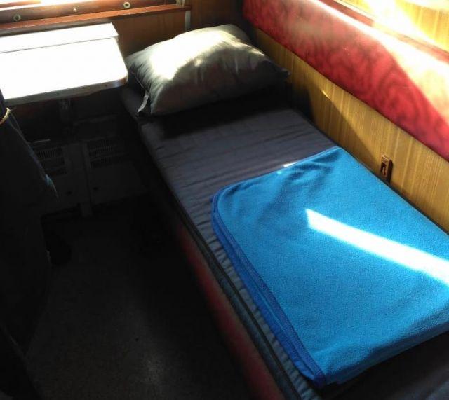 Почти в два раза подорожало постельное белье в казахстанских поездах