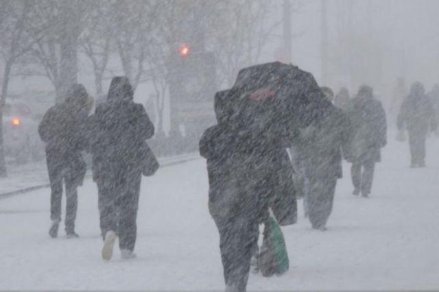 Снег и метель обещают казахстанцам на выходные