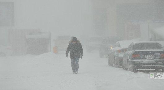 Штормовое предупреждение объявили в четырех областях Казахстана