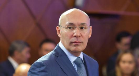Келимбетов озвучил зарплаты в МФЦА
