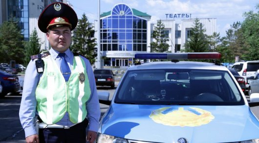 Герой-полицейский вымогал миллион у известного врача в Нур-Султане