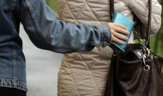 Карманные кражи участились в актюбинском общественном транспорте