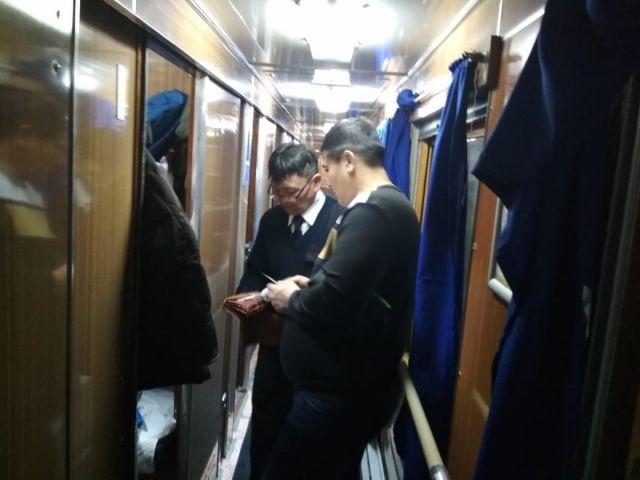 108 безбилетников обнаружили в поездах на станции Актобе