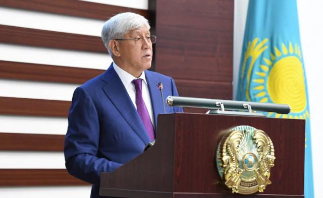Кто из казахстанских политиков достиг пенсионного возраста
