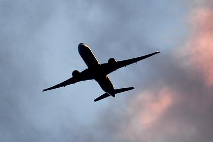 Российский самолет совершил жесткую посадку в Турции