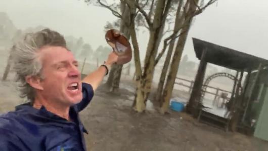 В Австралии пошли дожди: фермер снял радостное видео