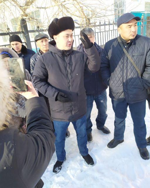 Общественного актюбинского активиста и блогера Алибека Молдина оправдали в суде
