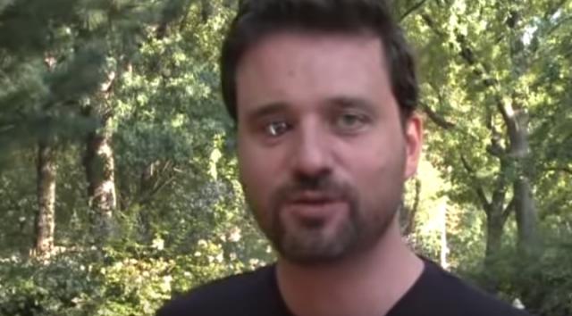Канадский киборг установил себе протез глаза с видеокамерой и стал кинорежиссёром