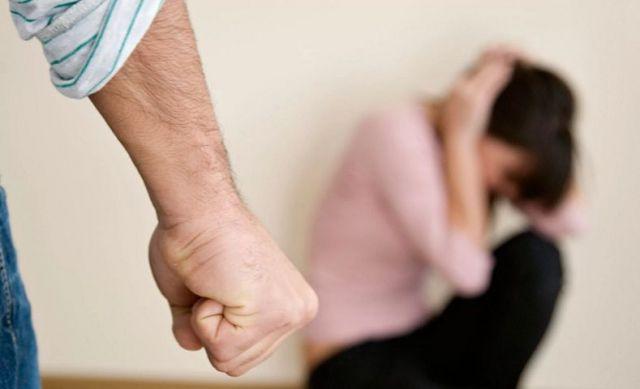 В СКО мужчина зверски забил жену на глазах у детей и тещи