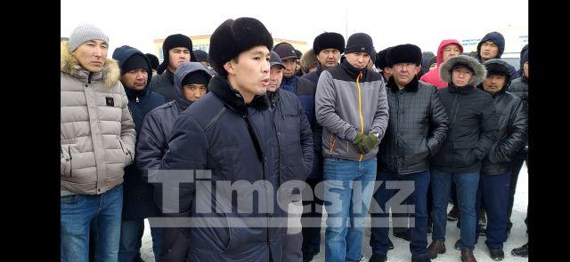 Актюбинские водители собирают подписи под обращением к Президенту