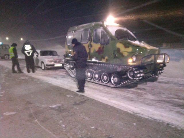 Более 100 человек вызволено спасателями из снежного плена на дорогах Карагандинской области