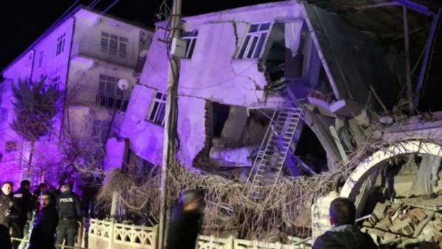14 человек погибли в результате мощного землетрясения в Турции