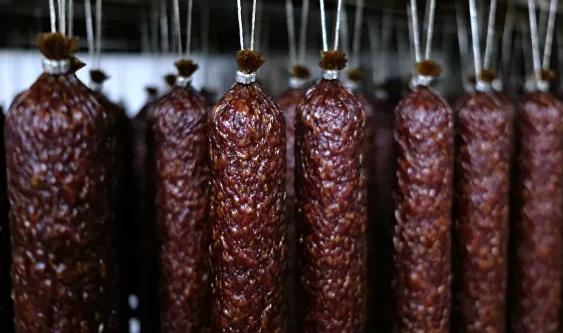 Ученые предупредили об опасности мяса и колбас для здоровья
