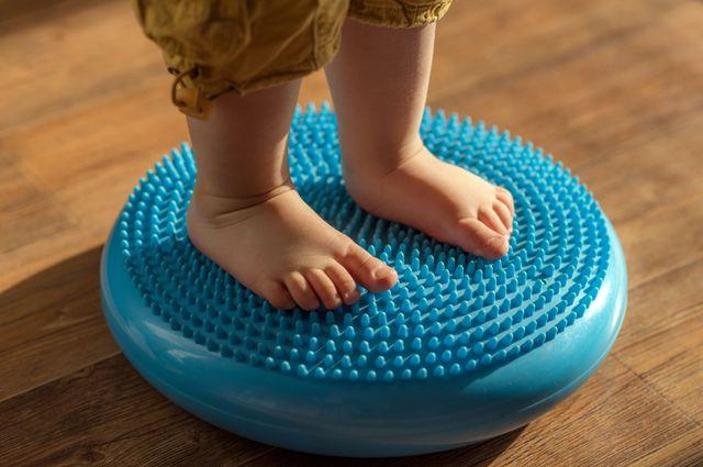 Поставить детей на ноги. Как уберечься от плоскостопия?