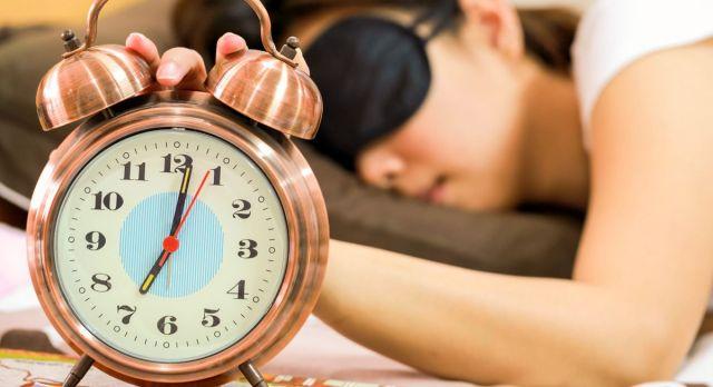 Врач рассказала, как правильно спать, чтобы выспаться