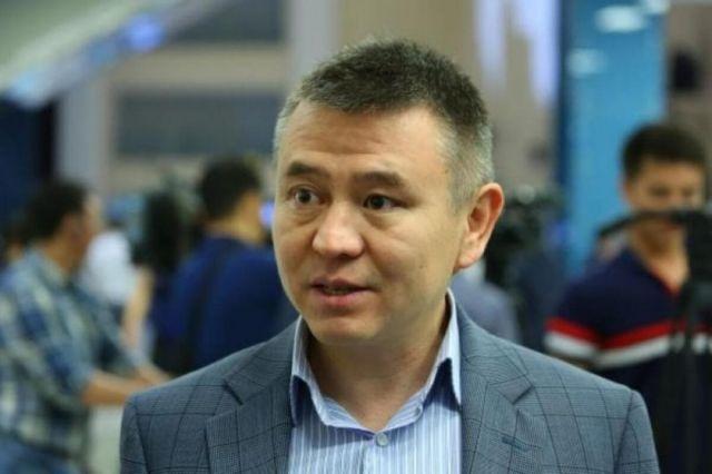 Мухтар Тайжан прокомментировал заявление Минобороны РК о службе дунган в армии