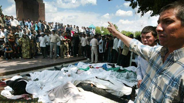 В Узбекистане признали, что мирных жителей в Андижане расстреляли правительственные войска
