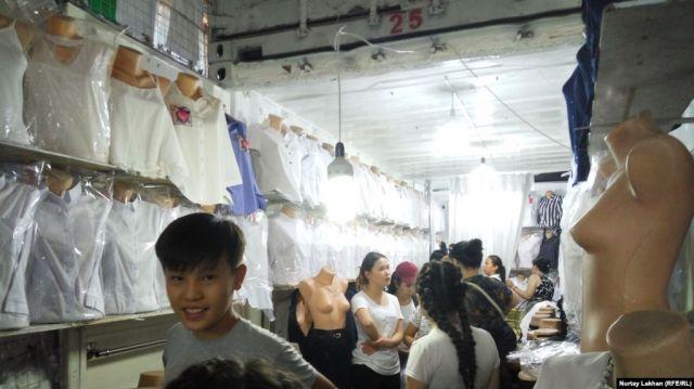 Узбекистан вошёл в тройку крупнейших экспортеров одежды в Казахстан