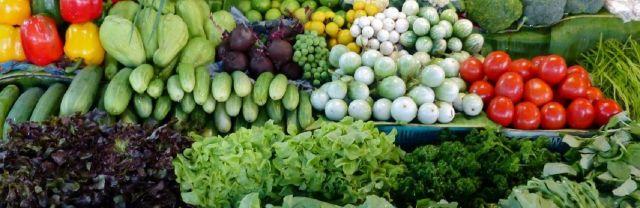 Кому из казахстанцев дороже всего обходятся свежие овощи