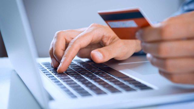 Лимиты на операции с электронными деньгами установят в Казахстане