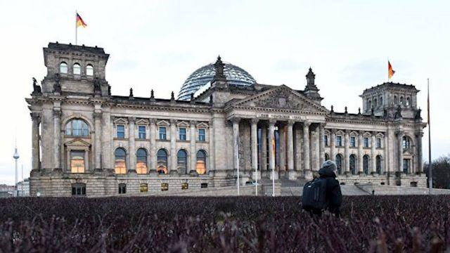 """В бундестаге заявили об американской """"оккупации"""" Германии"""