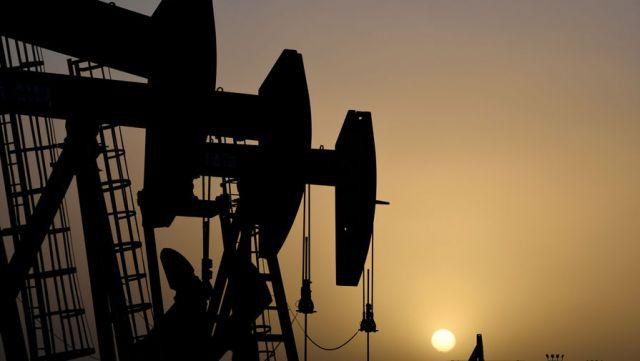 Трамп: РФ, США и Саудовская Аравия будут вместе искать выход из ситуации на рынке нефти