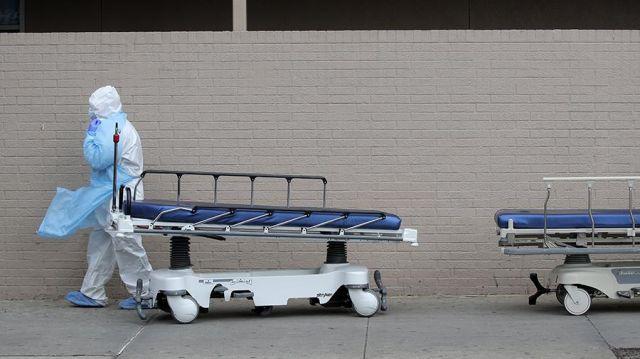 Число жертв COVID-19 в США превысило 7 тыс. человек