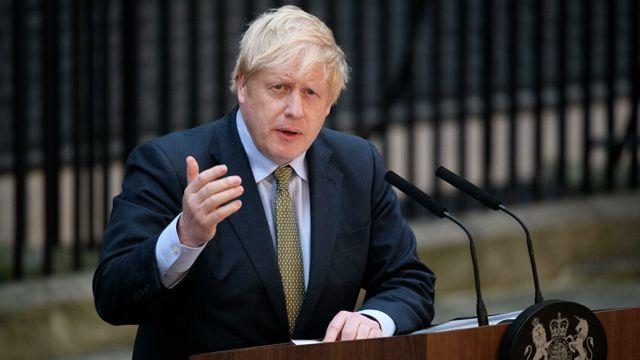 Премьер-министра Великобритании Джонсона подключат к ИВЛ