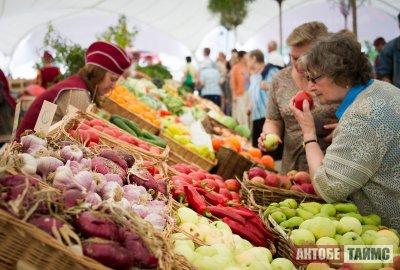 В Актобе открыли рынки, торговые дома и детсады