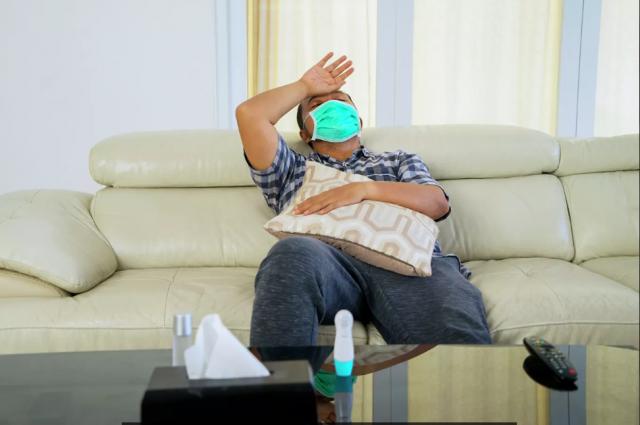 Ученые нашли вероятную причину, почему мужчины чаще заболевают COVID-19