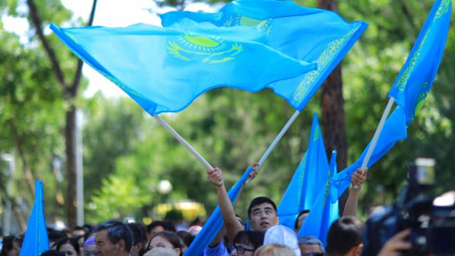 Токаев подписал закон о мирных собраниях