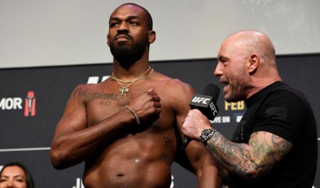 Чемпион UFC Джонс выступил с гневной тирадой по поводу убийства темнокожего парня полицией США