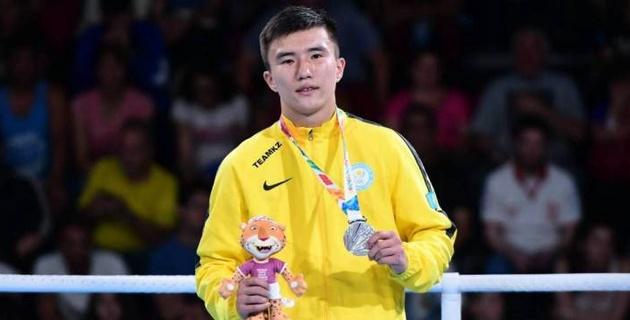 Финалист юношеской Олимпиады из Казахстана официально перешел в профессиональный бокс