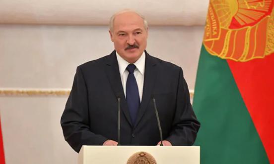 """""""Ожидать революции не следует"""": Лукашенко отправил правительство Белорусии в отставку"""