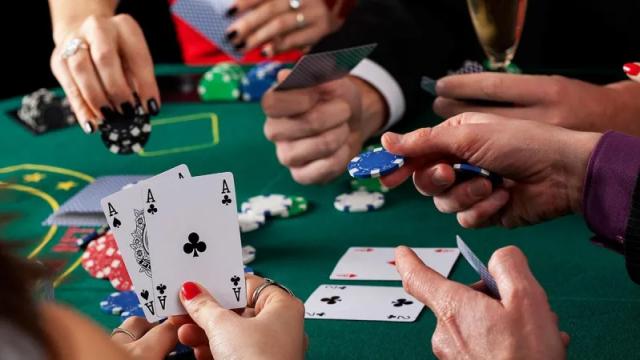 На 15 миллионов тенге оштрафовали организаторов незаконной игры в покер в Костанае