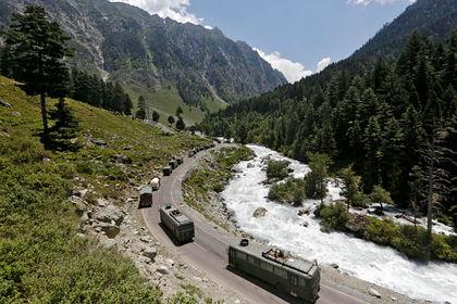 Индия и Китай снова развернули войска на границе