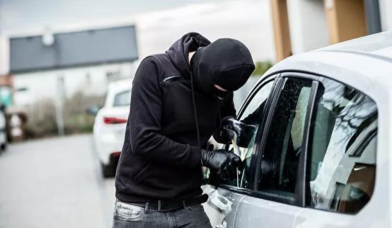 Названы шесть признаков готовящегося угона автомобиля