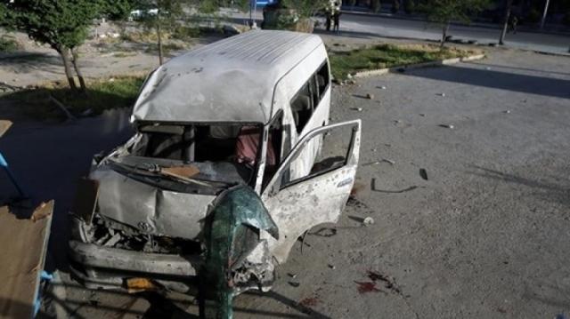 Микроавтобус телеканала наехал на мину: погибли журналисты