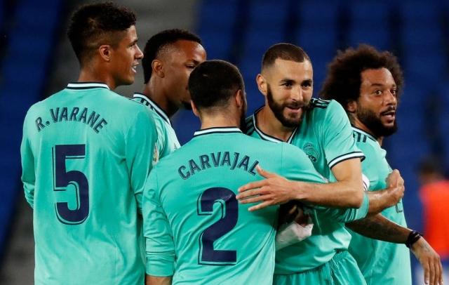 """Мадридский """"Реал"""" обыграл """"Реал Сосьедад"""" и вышел на первое место в чемпионате Испании"""