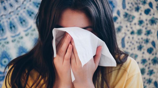 Инфекционист рассказала, как отличить аллергию от коронавируса