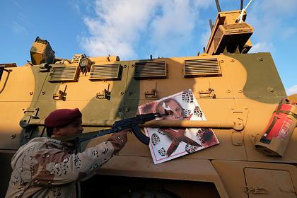 Турция обвинила Францию в соучастии в «преступлениях Хафтара» в Ливии