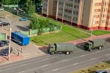 В Минск начали стягивать войска