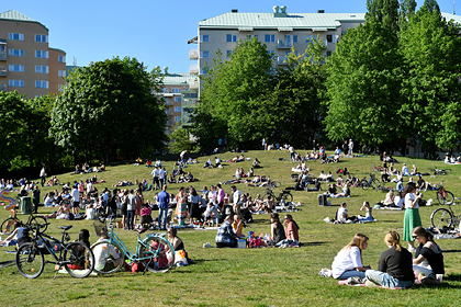 В отказавшейся от карантина Швеции заметили спад заражений коронавирусом