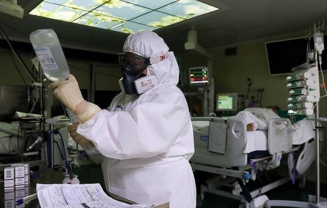 ВОЗ сообщила о рекордном суточном приросте числа заразившихся коронавирусом в мире