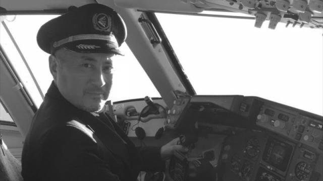 Умер заслуженный пилот Казахстана, вывозивший студентов из Уханя